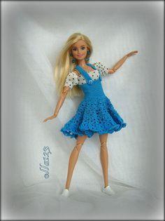 Blog o Barbie Fashionistas firmy Mattel, próbach tworzenia dla nich ubrań oraz o sztuce fotografii: Błękitny, niebieski, lazurowy...