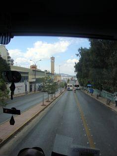 Pelas ruas de Atenas