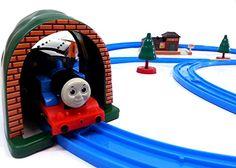 Brigamo 553 - Elektrische Eisenbahn Zug Set mit Thomas Lokomotive und Anhänger, umfangreiche Startpackung Brigamo http://www.amazon.de/dp/B01DY8LJGI/ref=cm_sw_r_pi_dp_Syufxb1E3GVK0