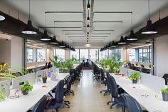 Work Better Office by The Crossboundaries, Mumbai – India