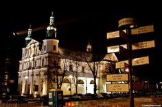 A City By Night: Krakow, Poland.  http://cherylhoward.com/2012/10/17/a-city-by-night-krakow-poland/  #krakow # poland #europe #travel