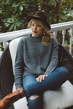 Slip Stitch Knitting, Cast On Knitting, Hand Knitting, Knitting Patterns, Sweater Patterns, Knitting Ideas, Find Your Fade Shawl, Brooklyn Tweed, How To Purl Knit