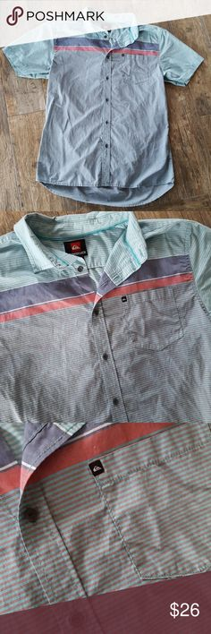 Men's Quiksilver button up Button up dress shirt, in excellent condition no sign of wear. Smoke-free home. Fabric does not stretch modern fit size large Quiksilver Shirts Casual Button Down Shirts