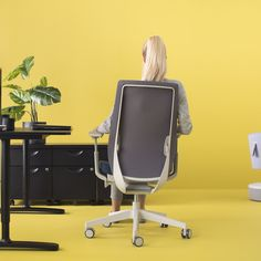 Move. Change positions. Sit actively!   #accispro #profim #design #activeseating #modernfurniture #furnituredesign #functional #ergonomic #newchair #officesolutions #officeinterior #inspiration #workingspace Modern Furniture, Furniture Design, Executive Chair, Office Interiors, Chairs, Inspiration, Home Decor, Biblical Inspiration, Decoration Home