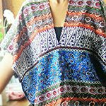 How to Make a Poncho - 10 FREE Poncho Sewing Patterns For Beginners. A poncho is a great for winter's days & even better when it's really easy to sew! Sewing Blouses, Sewing Shirts, Poncho Pattern Sewing, Sewing Patterns, Diy Clothing, Clothing Patterns, Plus Size Beach Dresses, How To Make Scarf, Make Your Own Clothes