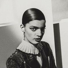 #newwork  #editorial #outnow 📸 #photography @elizavetaporodina_official #styling @styleproofed #model ❤️ @nadia.soma #hair #makeup #patrickglatthaar @ballsaal_artist_management #using @davinesdeutschland @lauramercier
