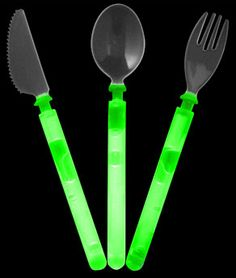 Glow Cutlery Set Child Size - can you imagine the light saber battles you'd have at the dinner table?