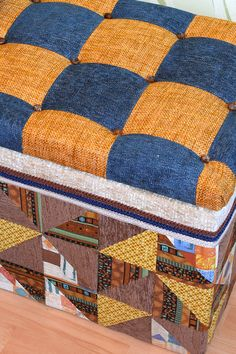 Как я уже писала, люблю создать что-то из ерунды. Давным-давно на балконе стоял стол-книга, который Quilts, Blanket, Bed, Home, Comforters, Blankets, Stream Bed, Patch Quilt, Ad Home