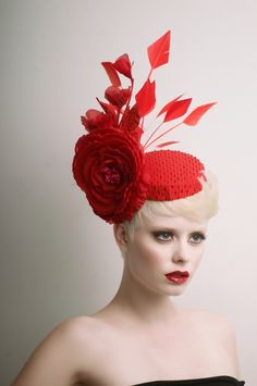 Red cocktail Hat Fascinator by ArturoRios on Etsy, secret models Red Hat Ladies, Red Cocktails, I See Red, Red Hat Society, Fascinator Hats, Fascinators, Pillbox Hat, Kentucky Derby Hats, Cocktail Hat