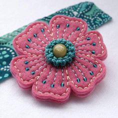 felt and embroidery flowers by annie Felt Embroidery, Felt Applique, Flower Embroidery, Felt Flowers, Fabric Flowers, Felt Decorations, Felt Brooch, Felt Fabric, Felt Diy