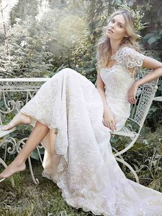 Wedding Dresses with Modernly Chic Glamour - MODwedding
