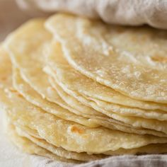 It's time to ditch the store bought tortillas and make your own! These homemade flour tortillas are soft, tender and flavorful. Recipes With Flour Tortillas, Homemade Flour Tortillas, Burritos, Enchiladas, Mexican Food Recipes, Ethnic Recipes, Mexican Dishes, Sandwiches, Tacos