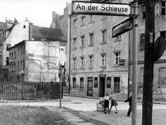 Berlin DDR Blick in die Sperlingsgasse (1959)