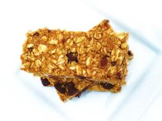 Peanut Butter Cup & Chocolate Chip Granola Bars