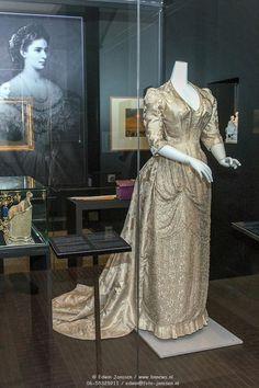 Sisi Grey dress....Sisi Museum, Hofburg Palace, Vienna
