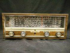 Vintage Hallicrafters Short Wave Radio