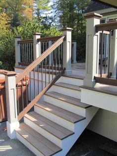 Deck railing isn't just a safety feature. It can include a sensational aesthetic to frame a decked area or patio. These 36 deck railing ideas reveal you how it's done! Outdoor Stairs, Deck Stairs, Deck Railings, Railing Ideas, Front Porch Railings, Deck Railing Design, Patio Deck Designs, Patio Design, Deck Colors