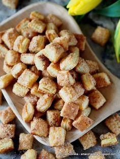 bardzo-latwe-ciasteczka-z-twarogiem Cookie Recipes, Dessert Recipes, Good Food, Yummy Food, Low Carb Side Dishes, Healthy Treats, Food Videos, Delicious Desserts, Food And Drink