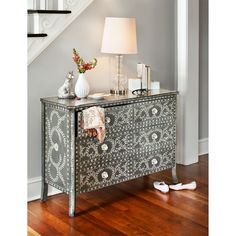 Accent and Occasional Furniture - Victoria Accent Chest