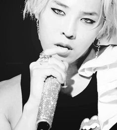 wait, hold up, stop, wait a moment... dear sweet lord in heaven all mighty thank you for this man!!!!! G Dragon!