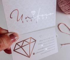No hay descripción de la foto disponible. Art Business Cards, Watercolor Business Cards, Beauty Business Cards, Business Card Design, Makeup Boutique, Nail Logo, Stationary Store, Diamond Party, Lashes Logo