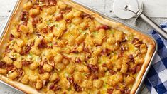 Tater tot breakfast pizza If you were ever looking for an excuse to eat pizza for breakfast, here it is! This one-pan breakfast pizza wows a crowd with smoky bacon, eggs and cheese, but it's the layer of Mini Tater Tots™ that takes it over the top. Tater Tot Breakfast, Breakfast Pizza, Breakfast Dishes, Breakfast Casserole, Breakfast Recipes, Mexican Breakfast, Breakfast Sandwiches, Figs Breakfast, Mediterranean Breakfast