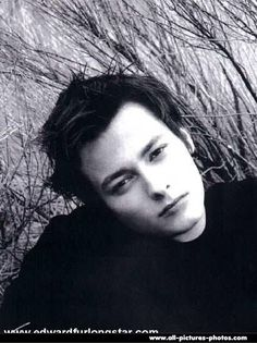 Angela Russell uploaded this image to 'Attractive People/Edward Furlong'. See the album on Photobucket. Edward Furlong, John Connor, Child Of The Universe, Edward Norton, Young Actors, Film Books, Book Show, Attractive People, Pretty People