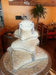 4Tier Pillow cake - wedding with lots of bling and diamantee | Flickr - Photo Sharing!