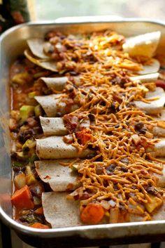 Vegan Enchiladas - As Requested! X Cheesy Sweet Potato & Black Bean Enchiladas! Whole Food Recipes, Great Recipes, Cooking Recipes, Favorite Recipes, Vegan Mexican Recipes, Vegetarian Recipes, Healthy Recipes, Vegan Foods, Vegan Dishes