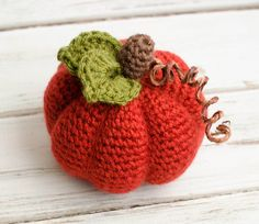 I love this easy to make crochet pumpkin! #crochetpumpkin #pumpkin #crochetfall