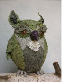 Ann Wood Owls - so cool Textile Sculpture, Soft Sculpture, Fabric Birds, Fabric Art, Owl Artwork, Ann Wood, Wood Owls, Felt Owls, Owl Always Love You