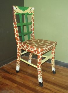 Giraffe Painted Chair by Jennifer Brown. Perfect chair for any kids bedroom or just to add a fun, fu. Painted Wooden Chairs, Painted Rocking Chairs, Funky Painted Furniture, Cool Furniture, Furniture Design, Lounge Furniture, Antique Furniture, Furniture Ideas, Painting Kids Furniture