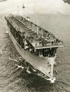 USS Langley ) was the United States Navy's first aircraft carrier, converted in 1920 from the collier USS Jupiter ). General Motors, American Aircraft Carriers, Brown Water Navy, Scale Model Ships, Navy Carriers, Navy Aircraft Carrier, Us Navy Ships, Naval History, Military Diorama