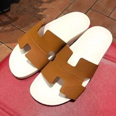 d662ecb89620b4 We sell Hermes Rubber Thong Sandal Green with the discount prices