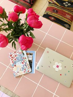 Guide: Sådan laver du et gør det selv flisebord - SILVER STORIES Dinner Table, Room Ideas, Gift Wrapping, Summer, Inspiration, Color, Design, Home Decor, Dinning Table