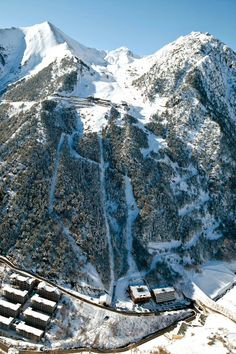 TRAVEL AND ski run, Arinsal, Andorra