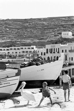 Mykonos Island, Mykonos Greece, Vintage Pictures, Old Pictures, Greece History, Old Time Photos, Greece Pictures, Travel Music, Thessaloniki