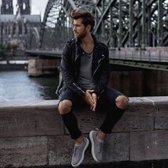 Style of the day Yes or no? . . . . mensstyle.co #menswear #mensfashion #menstyle #mensstyle #ootdmen #collection #photography #creativeconcept #pink #inspiration #instafashion #londonfashion #fashionillustration #illustration #trendyclothes #fashion #swag #style #stylish #ootd #dapper #swagger #men #photooftheday #loafer #luxury #velvetslippers #mensshoe #slippers #mensfashionpost http://ift.tt/2rOavOi
