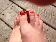 Orange gel toes