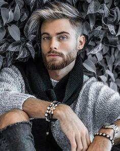 40 Best Short Men Haircut Looks Grey Silver Hair Men, Grey Hair Men, Trendy Mens Haircuts, Trending Haircuts, Short Men Haircut, Mens Hair Colour, Platinum Hair, Men's Grooming, Beard Styles