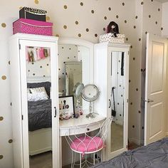 42 awesome teen girl bedroom ideas that are fun and cool 31 Teen Girl Bedrooms, Teen Bedroom, Home Decor Bedroom, Diva Bedroom, Bedroom Ideas, Bedroom Designs, Bedroom Wall, My Room, Girl Room