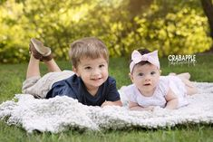 Why We Love 3 Month Baby Portraits · Crabapple Photography Baby Portraits, Family Portraits, Family Photos, Newborn Poses, Newborn Session, 3 Month Baby Milestones, Little Babies, Cute Babies, 9 Month Old Baby