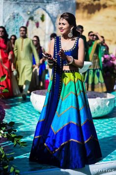 Find top amazing chevron pattern lehenga designs for weddings. Beautiful Chevron Lehenga designs for brides and bridesmaids must check out once. Party Wear Indian Dresses, Designer Party Wear Dresses, Indian Fashion Dresses, Indian Bridal Outfits, Indian Gowns Dresses, Indian Bridal Fashion, Dress Indian Style, Indian Designer Outfits, Indian Wear
