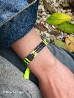 Neon yellow micro macrame and miyuki delicas woven bracelet. Graphic design, arrow patterns. © Natacha Fayard  #neon #yellow #macrame #micromacrame #miyuki #delicas #woven #weaving #bracelet #tassel