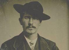 wyat earp | Wyatt Earp într-o fotografie de la începutul secolului trecut