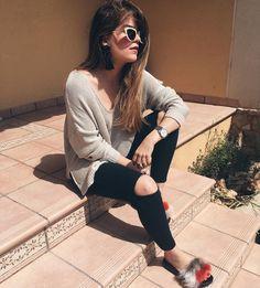 Disfrutando del día en familia...  Aprovecho para llevar estas sandalias de pelo ya que en Mallorca estamos teniendo un tiempazo... Feliz domingo de Pascua!  . .  Happy Easter to all of you!  Today I'm wearing these faux fur slides as the weather is amazing in Mallorca!  #MissGSánchezinMallorca #fashionworld #fashionblogger #bloggerspain #Mallorca