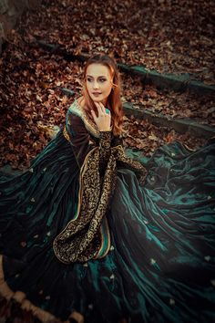 Portrait of a beautiful woman Beautiful Person, Beautiful Women, Masquerade Dresses, Steampunk, Fantasy Dress, Fantasy Outfits, Renaissance Costume, Fantasy Costumes, Medieval Fantasy