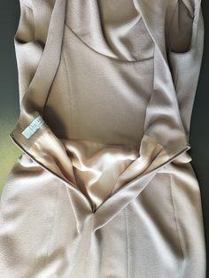 detail photo v1531 dress pattern