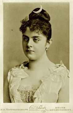 mistresses of spanish royalty | ... Marie Vetsera (1871-1889), Mistress of Crown Prince Rudolf of Austria