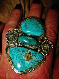 NATIVE AMERICAN IMMENSE BLUE TURQUOISE RING,39gr G.CHAVEZ Sterling Silver,sz 8
